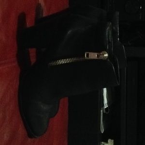 Naedia black leather ankle boots